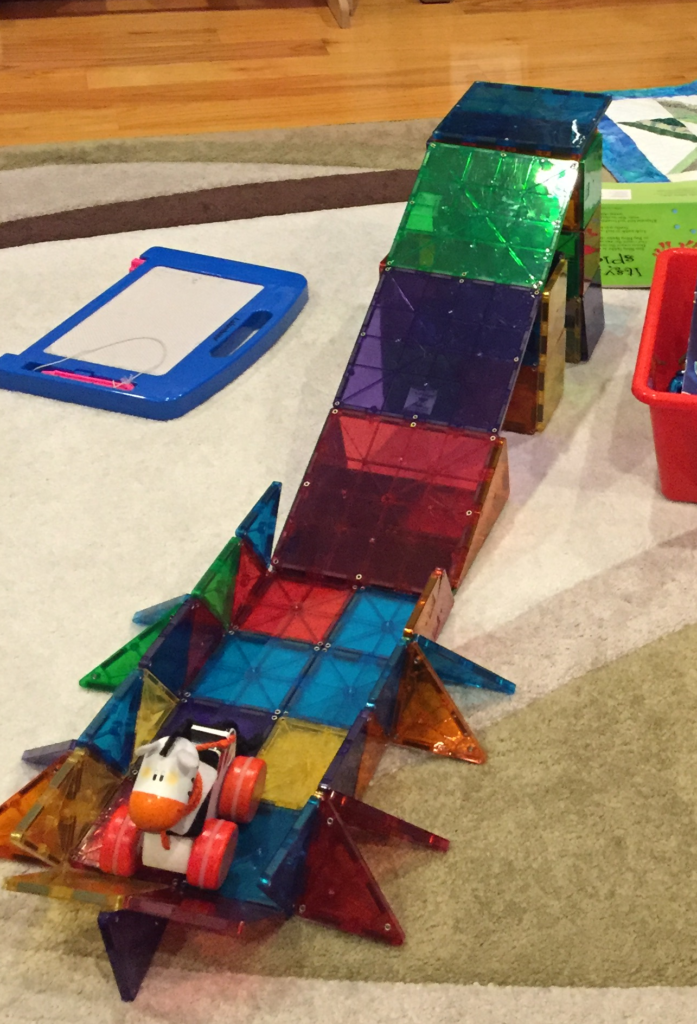 Playing with Magnatiles (5)